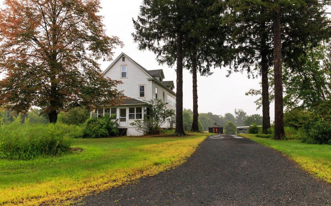 Things to Consider When Planning a Driveway for Your Rural Home
